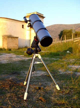 SKYWATCHER NEWTON 200
